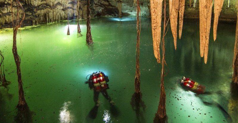 Underwater cave1
